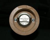 1x Peugeot Pfeffermühle BISTRO chocolat mit Alpaufzug-Ornamenten & 4-Beeren-Pfeffer
